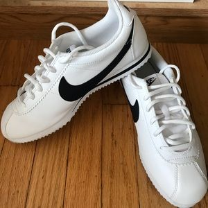 Nike Shoes - NIKE Cortez